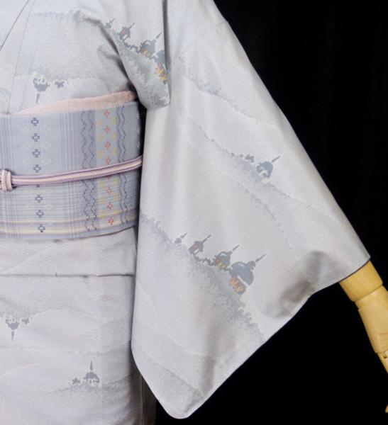 大島紬をお洒落にコーディネートするコツ。白大島、シンプルな柄行で大人にまとめる!