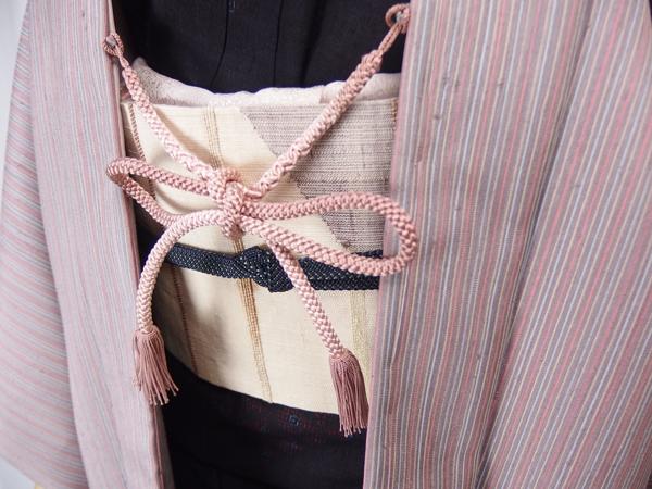 紫の紬長羽織アップ、羽織紐