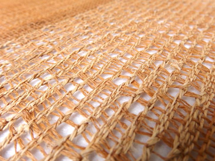 出羽の織座® しな布帯蕁麻×捩り織り アップ