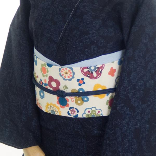 関美穂子さんに別注した帯「たま小花」