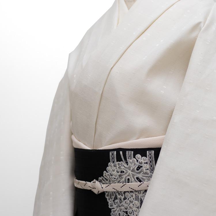 横山俊一郎 三才山紬 白よごしと浮織のコーディネート