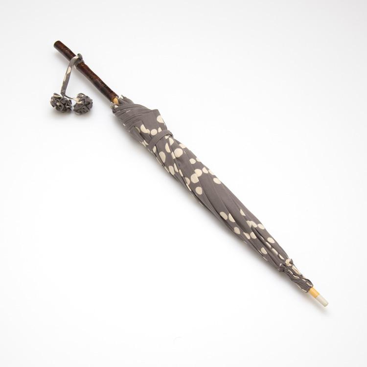 内藤早苗 注染の日傘 真珠の首飾り たたみ時