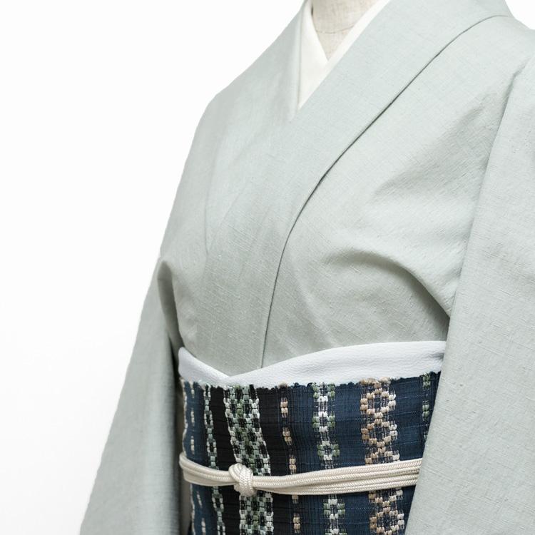 本場結城紬と雪花織り帯のコーディネート