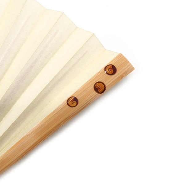 橋爪玲子 白竹に蒔絵の扇子「貝」アップ