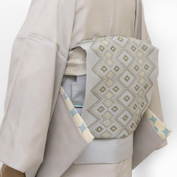 長襦袢・首里織の着物と帯のコーディネート