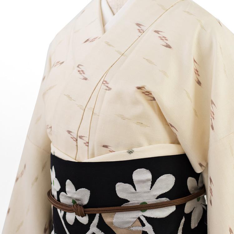 工芸帯地 洛風林「競花錦」名古屋帯と久米島紬のコーディネート