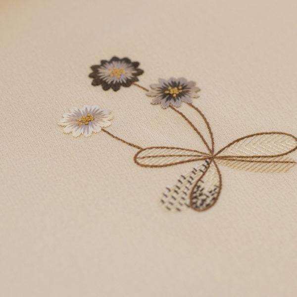 京友禅と日本刺繍 飛び柄付下げ 「野の花」 灰梅色のぼかし