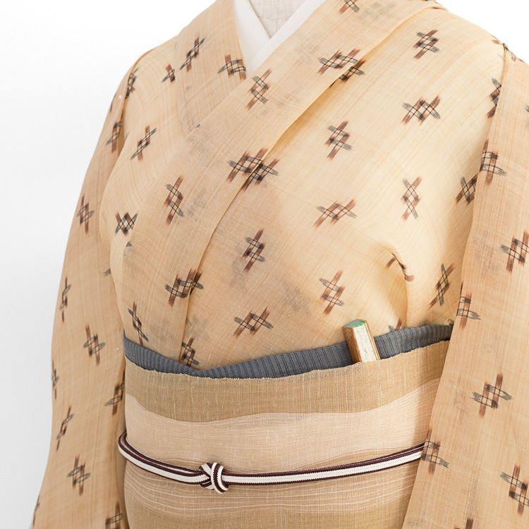 喜如嘉の芭蕉布(平良敏子・芭蕉布織物工房)と上原美智子さんの立涌の帯のコーディネート