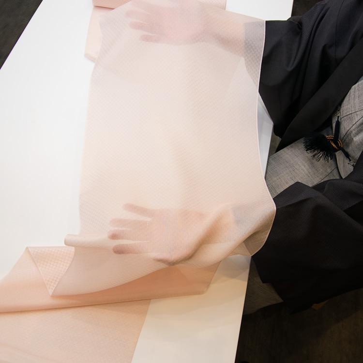 勝山さと子 「おぼろ市松」羽尺 千成堂着物店 別注 をお見せします