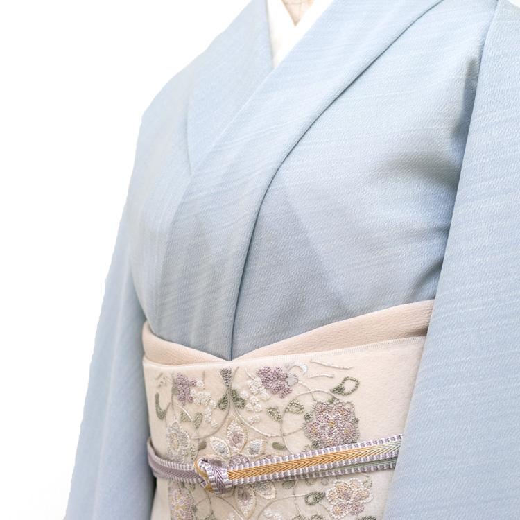 絓引き(しけびき)の小紋と刺繍の名古屋帯のコーディネート